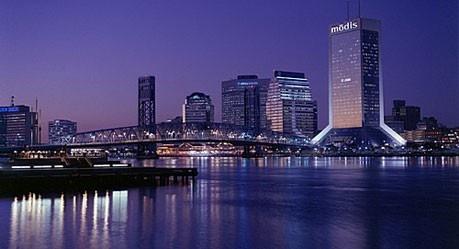 When the night falls... Purple skyline in Jax!