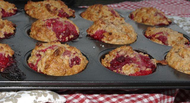 Mennonite Girls Can Cook: Raspberry Yogurt Muffins (Very good - add in ...