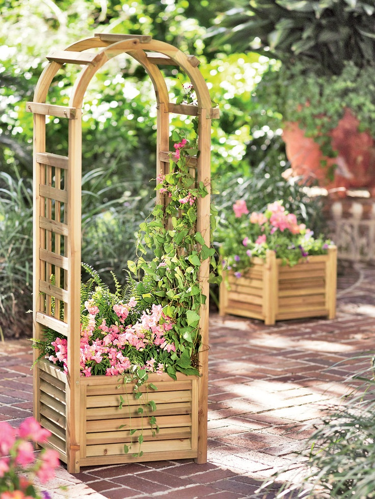 Louvered wooden planter with trellis for Gardeners supply planters