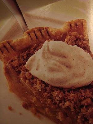 Dreamy, Creamy, Brown Sugar Crunch Apple Pie