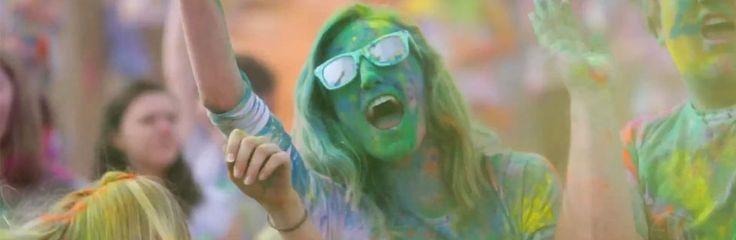 Farbe ins Leben bringen – Holi feiern