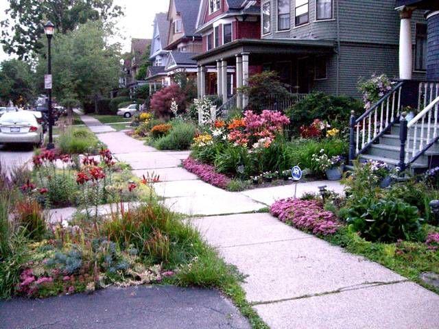 Sidewalk garden ideas curb appeal sidewalk landscaping for Flower gardens for small yards
