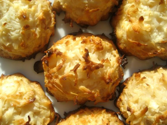 Coconut Macaroons | SwEeTs & TrEaTs !!! | Pinterest