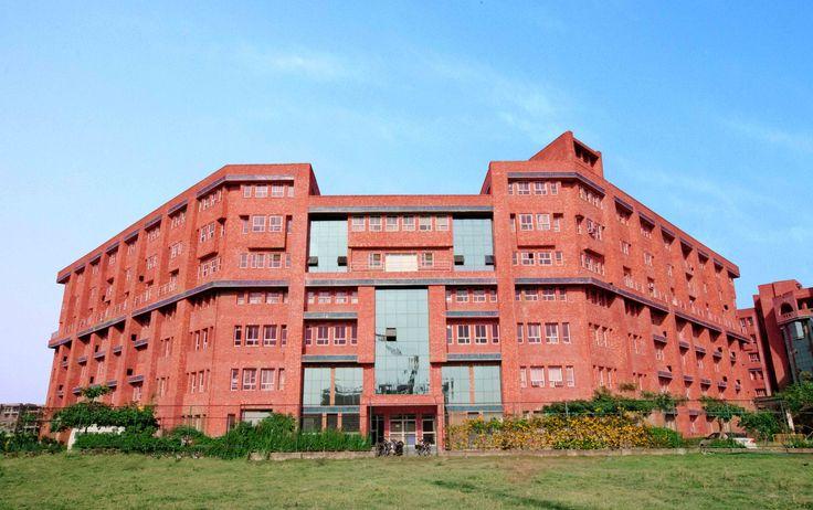 Sharda University Greater Noida Campus Sharda University Campus
