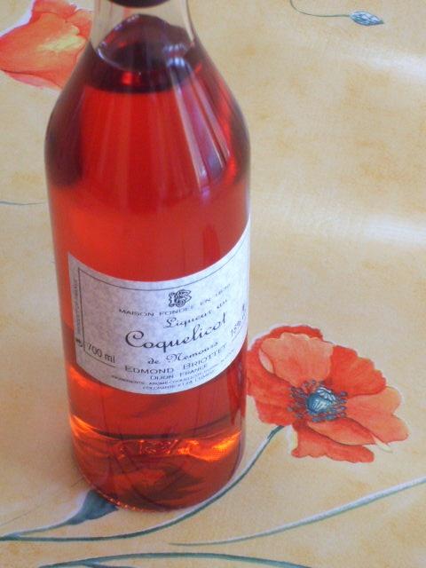 Il y a un sirop artisanal de coquelicot, fait en Bourgogne.