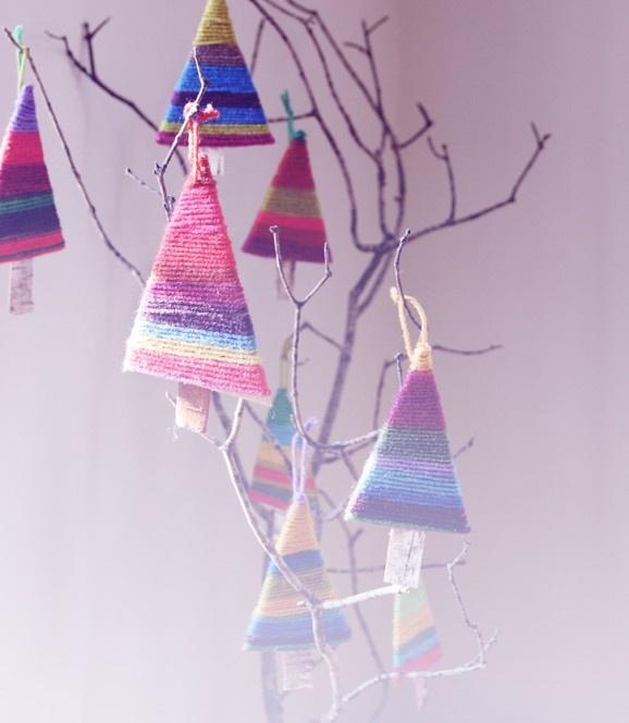 yarn tree ornaments | Creative Christmas | Pinterest