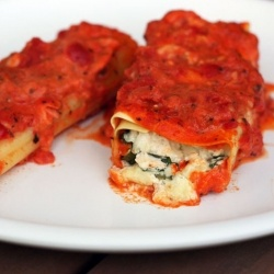 cozy, Italian dish - baked chicken cannelloni