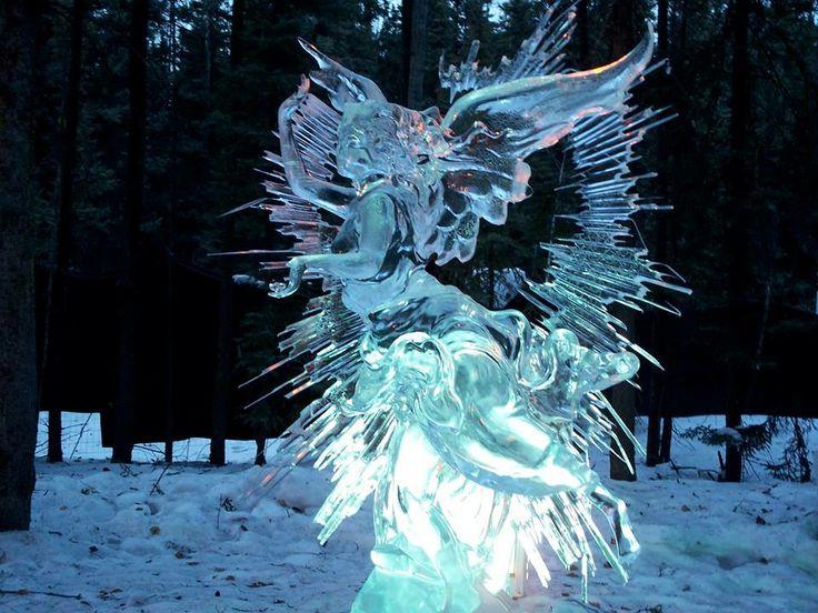 Incredible Ice Sculptu...