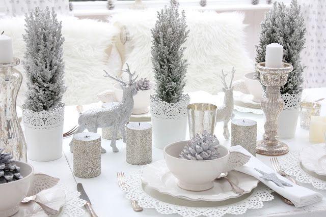 новогодняя сервировка в белом цвете