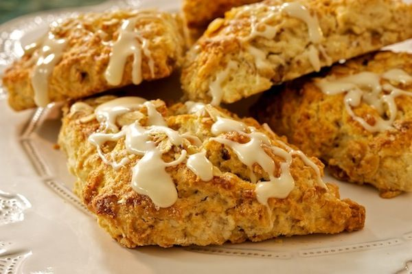 Glazed Maple Pecan Oatmeal Scones and Last Minute Gift Idea -