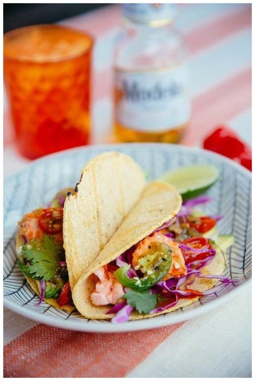 Salmon tacos with tomatillo salsa and avocado- Things I like to look ...