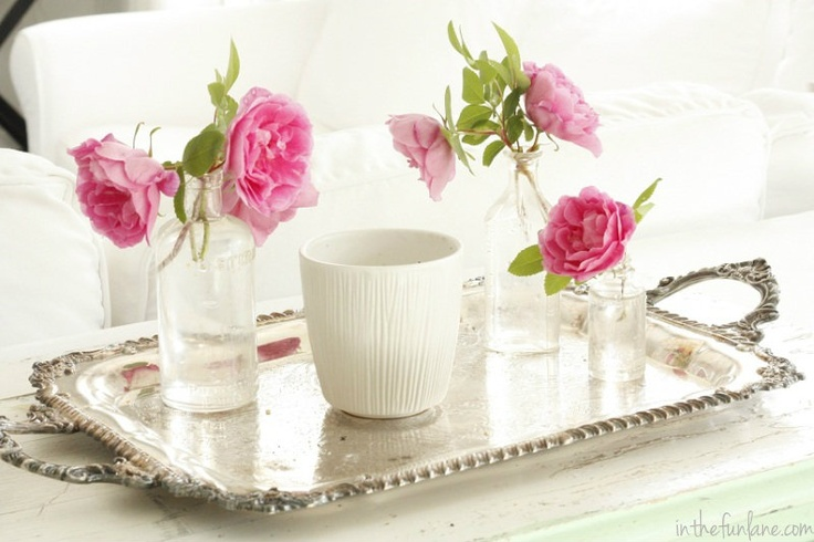 Love this arrangement & the vintage silver tray.