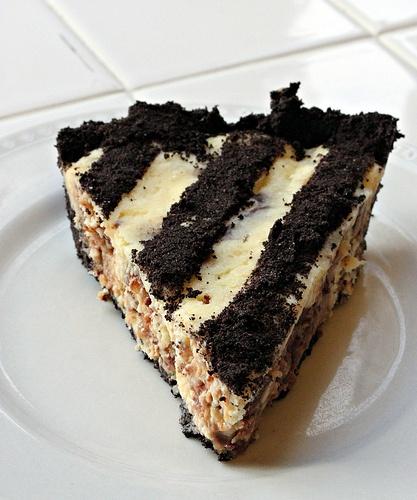 twix-cheesecake pie | It's Yummma!! :) | Pinterest