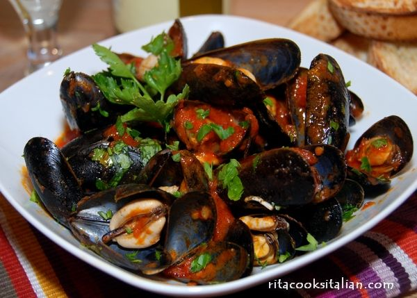 Mussels with spicy tomato sauce rock! | Food I wanna make | Pinterest
