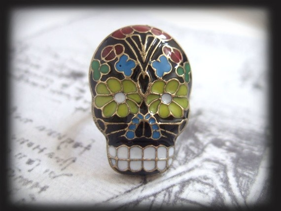 Adorable skull ring!