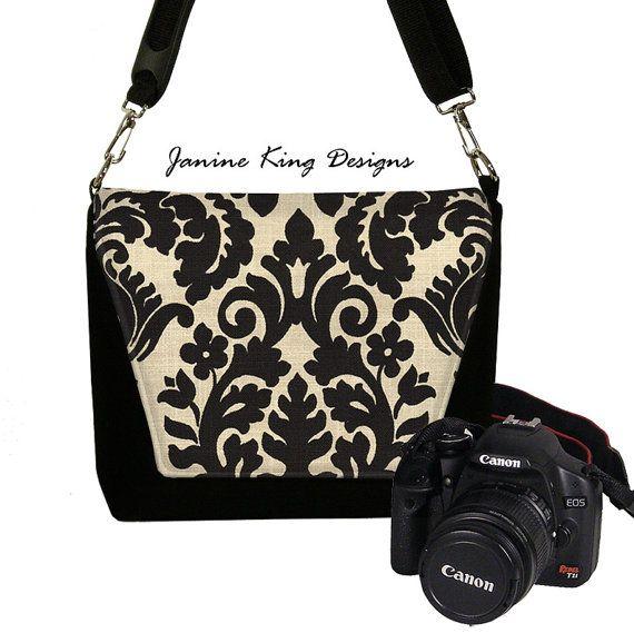 Fantastic MICHAEL MICHAEL KORS Women39s Brooklyn Large Camera Bag  Black  Free