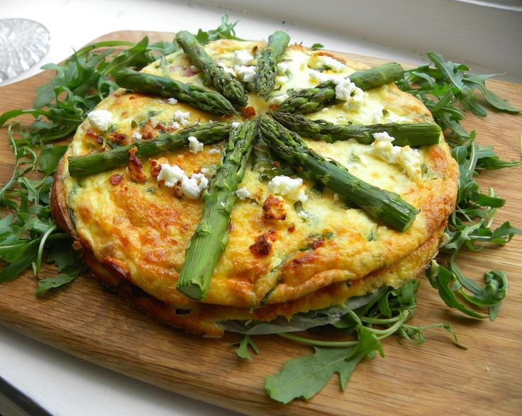 Feta and Asparagus crustless quiche | Brunch | Pinterest