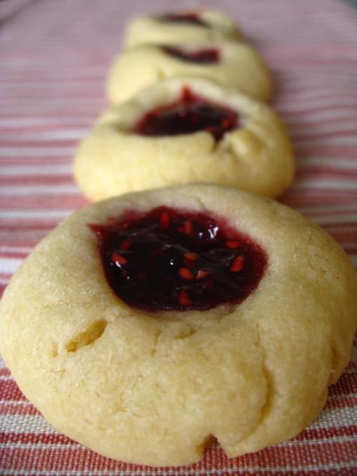 raspberry thumbprint cookies | edibles | Pinterest