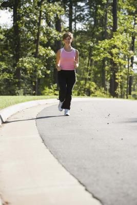 Can you lose weight by walking 7 miles a day