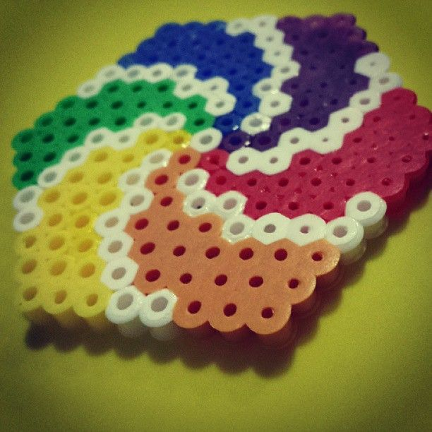 Spiral perler bead design by bead makers emma s page pinterest