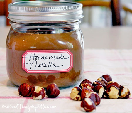 How To Make Your Own Homemade {Gluten-Free} Nutella!
