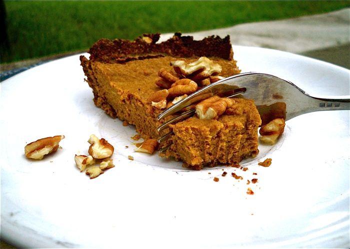 Healthy Pumpkin Pie with Pecan Crust