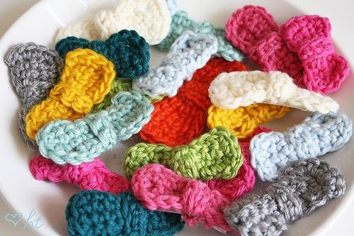 tangled happy: Crocheted Hair Bows Crochet Knit Sew Pinterest