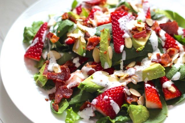 Bacon, Avocado & Strawberry Salad with Greek Yogurt Poppyseed Dressing ...