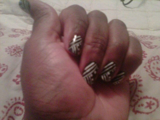 fuzzy camera phone pic, but i love my nails today!