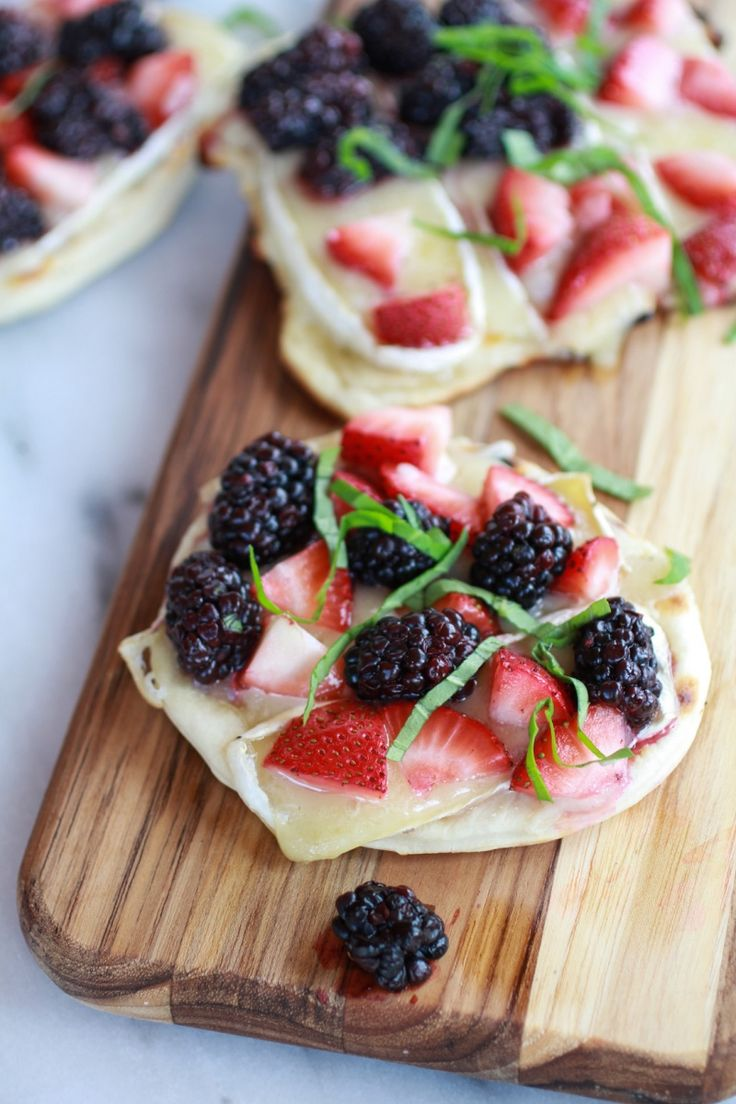 Grilled Blackberry, Strawberry, Basil, & Brie Pizza Crisps