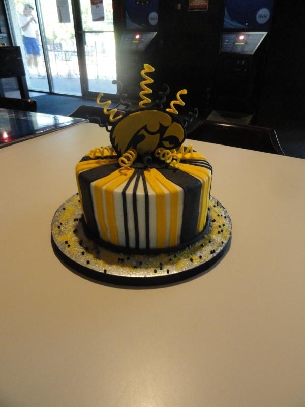 hawkeye birthday cakes