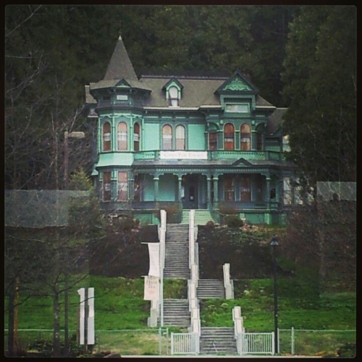 murder house houses murder within pinterest. Black Bedroom Furniture Sets. Home Design Ideas