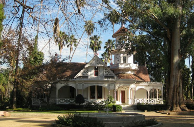 Pin by debra shaffer on plantation and other mansions for Historical homes in los angeles