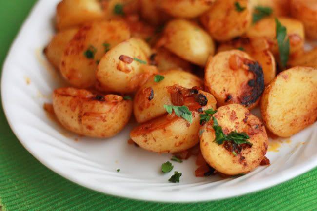 Smoked paprika pan-roasted potatoes | Recipes | Pinterest