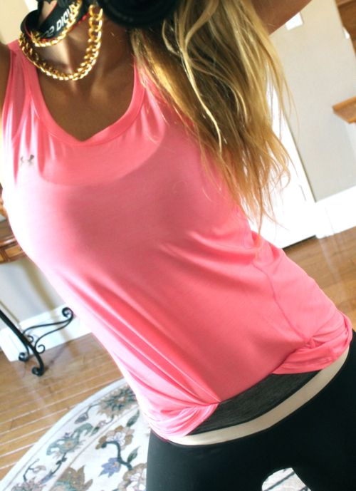 Cute workout outfit. Pink Under Armour top ♥