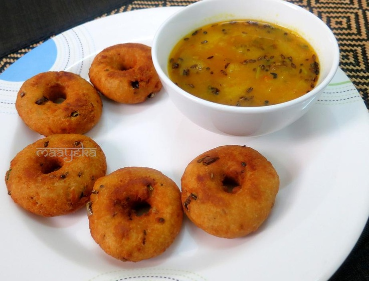 Instant Medu Vada Mildly spiced bread fritters with yoghurt and rice ...
