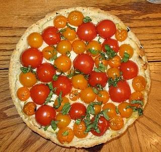 Tomato-Basil-Tart - I'm going to make this using Trader Joe's heirloo...