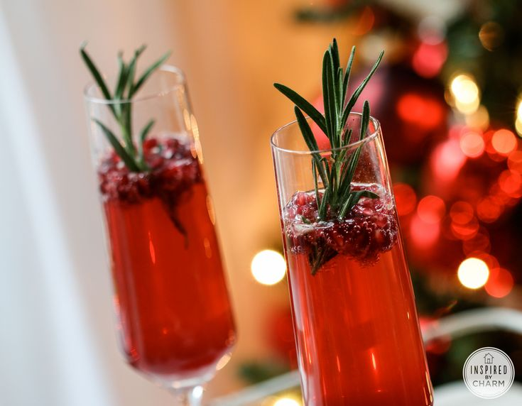 Sparkling Pomegranate Cocktail-Yum!! I don't think this has to only be ...