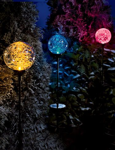 Sphere solar garden lights