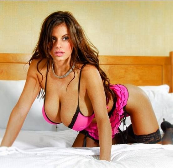 Wendy Fiore Pin-Up queen 34-26-37 .34 JJ Cupextremely well