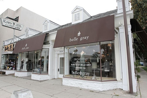 Boutique exterior colors charmed boutiques pinterest for Exterior design of a retail store