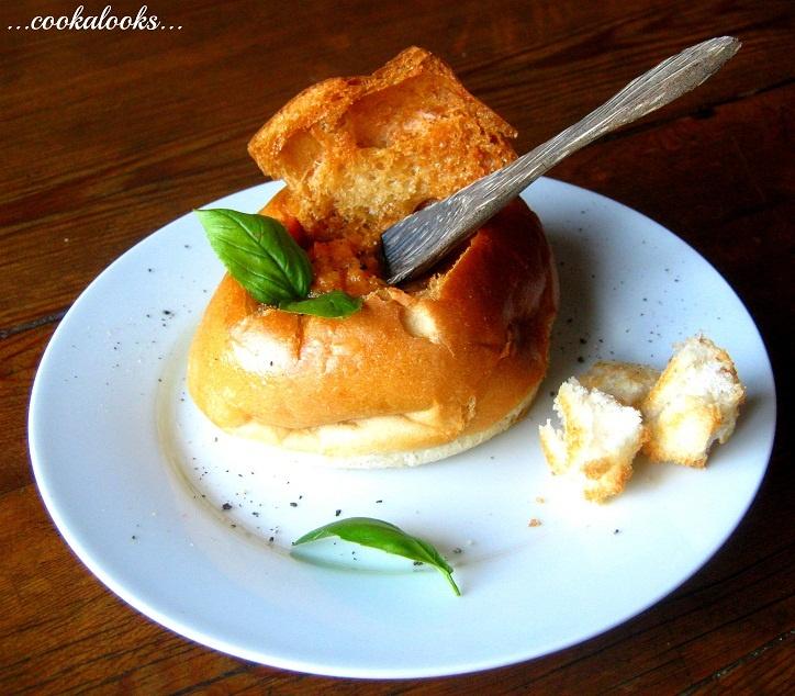 Bread Pot of Slow-Roasted Tomato soup | | Recipes | Pinterest