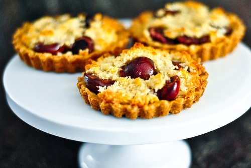 Cherry Macaroon Tart | Some of the best things in life | Pinterest