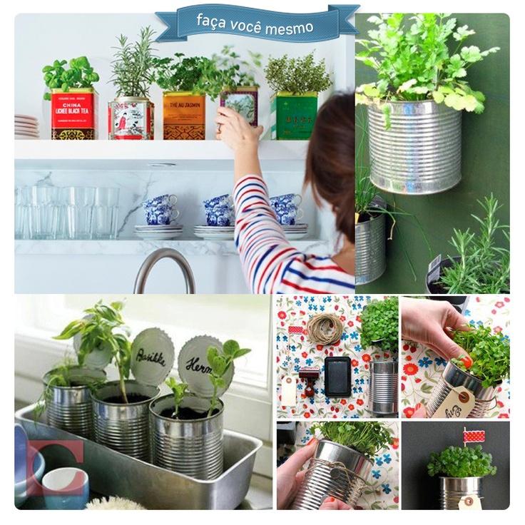 Quer temperos sempre fresquinhos? Experimente fazer a sua própria hortinha em casa, é prático e nem precisa de muito espaço: com latas de conserva você consegue plantar seus condimentos favoritos!
