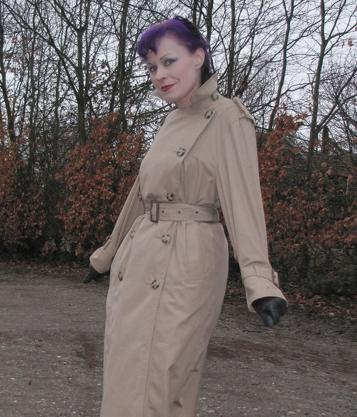 Trenchcoat Spy Queen Helena, 5! | Trench Coat Royalty ...