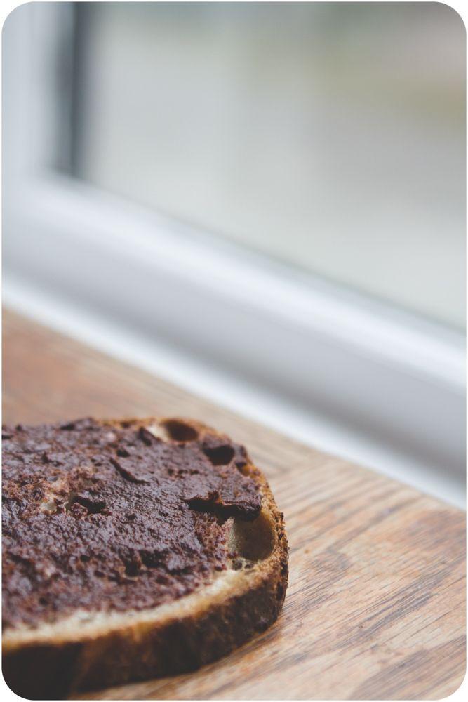 Pretend healthy Nutella (w/coconut oil, cocoa pwd, maple syrup, salt