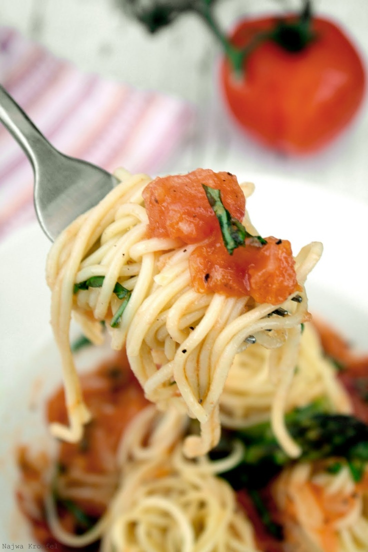 Spaghetti with Fresh Tomato Sauce | Cooking From The Garden | Pintere ...