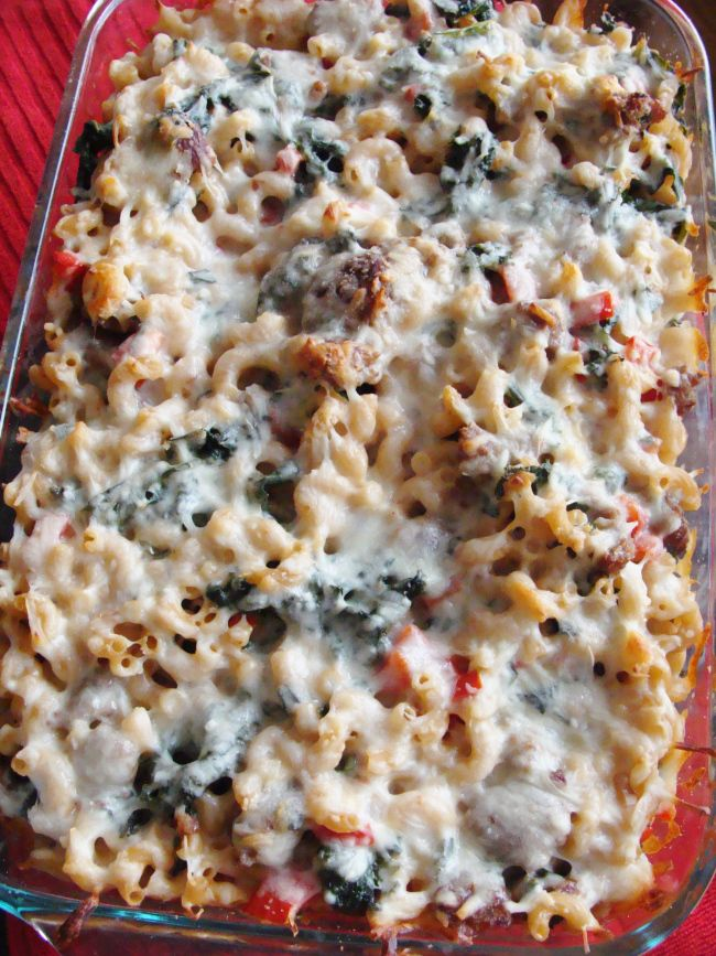 baked pasta with Italian sausage, kale, and red pepper. // The Cheesy ...