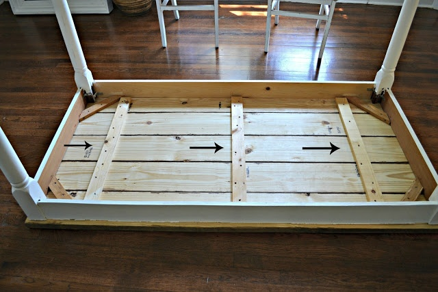 Table tutorial furniture pinterest for Dining room table 2x4