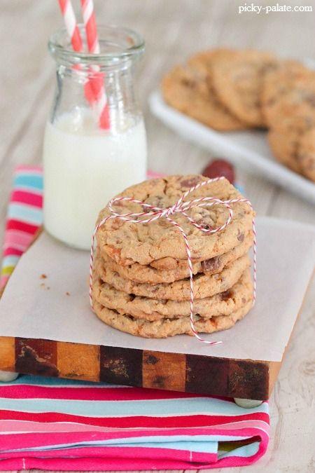 Butterfinger Peanut Butter Chocolate Chunk Cookies | Recipe